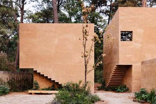 Entre Pinos by Hector Barroso on TheModernist.House