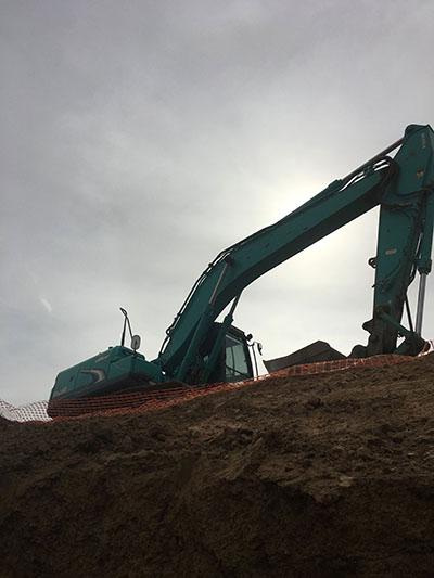 Lawton-Earth-Works-Jerilderie-excavator-civil-construction
