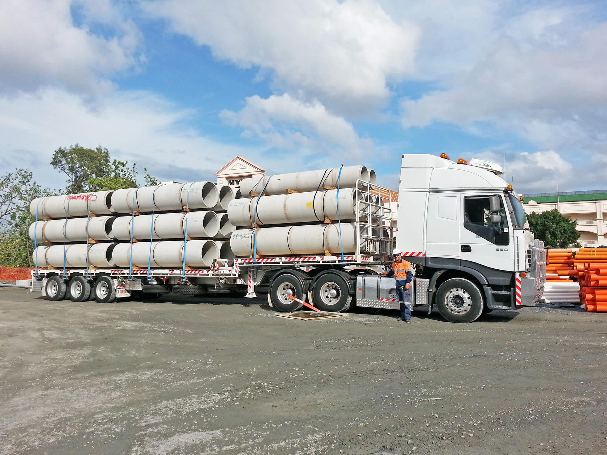 goldcoastcranehire-salazar-crane-truck Brisbane