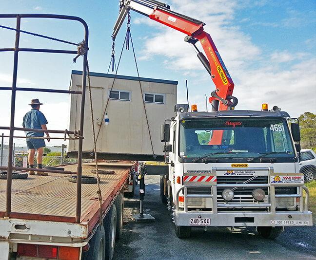 gold coast crane hire-crane-hire-signage-installation- Mt Tambourine