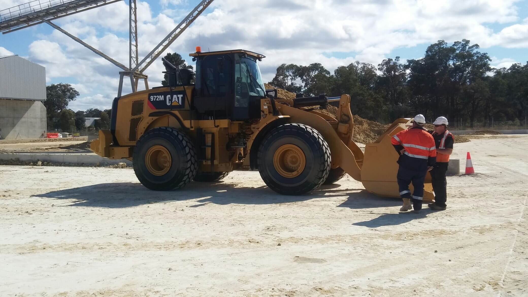 WA Sand Supply and Haulage Loader_972M