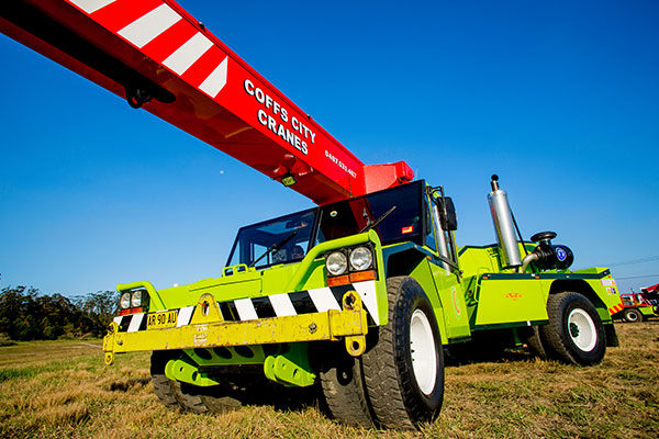 20T Humma Pick and Carry Crane Hire Coffs Harbour