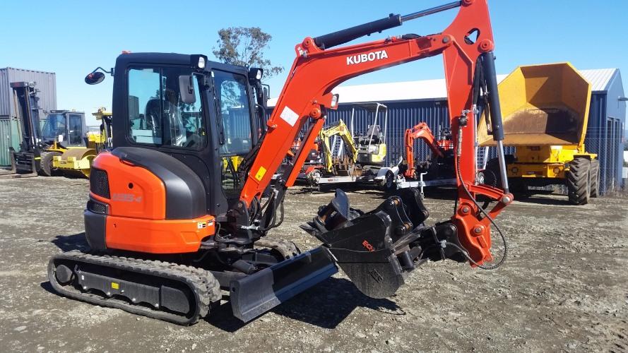 Wombat Hire 3 tonne Excavator Hire Sunshine Coast