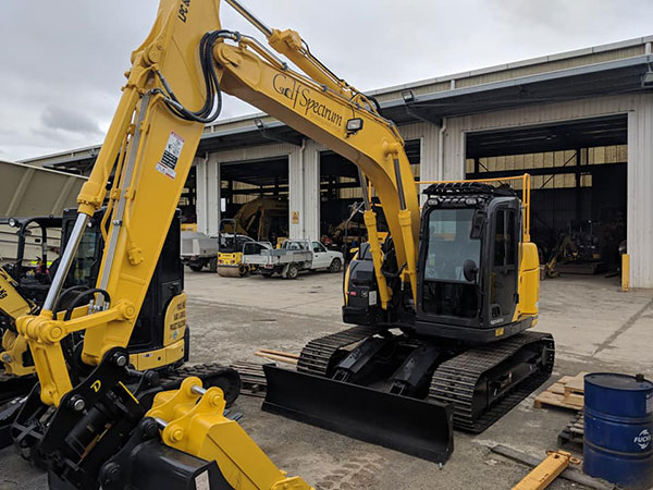 golf-spectrum-30-tonne-excavator-hire