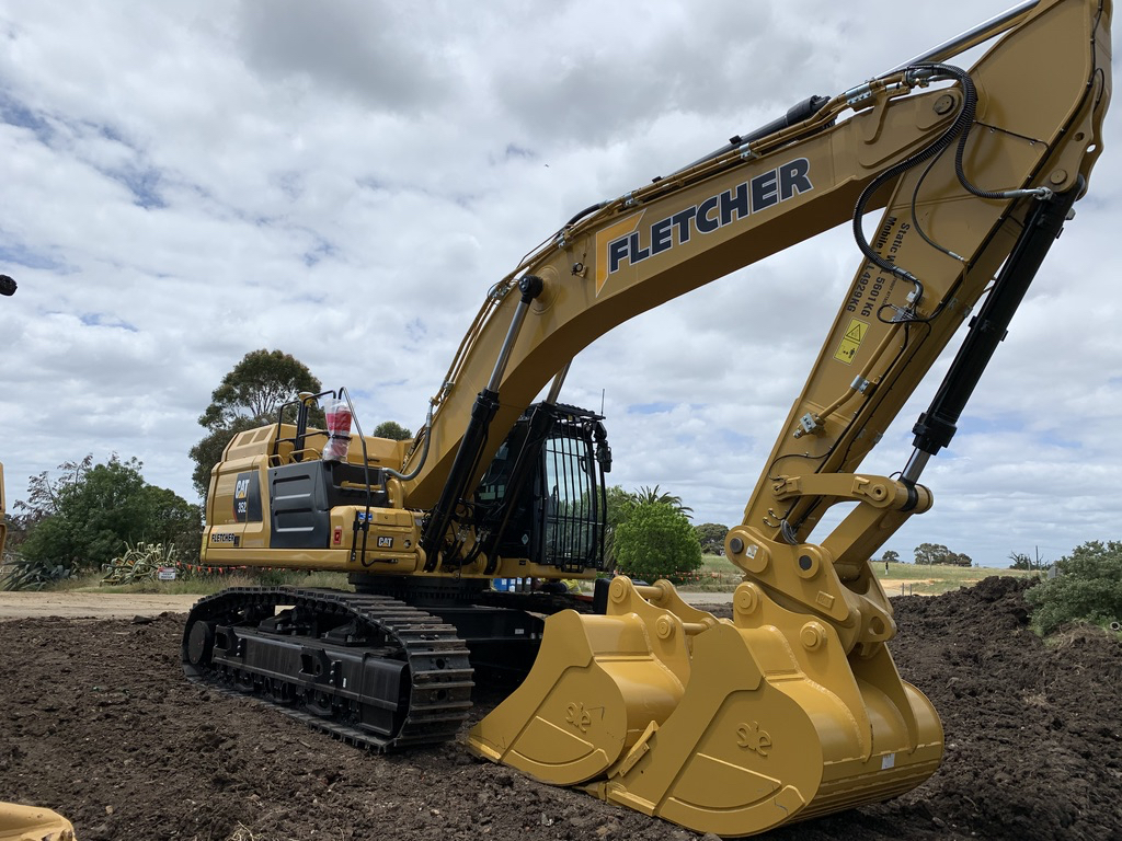 Fletcher-Bros-Solutions-excavator-breaker-rock-Earthwork-Contracting-Melbourne