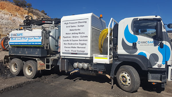 Vacsafe-Vac-truck-Side-View-potholing-new-south-wales-6000l-sucker-truck-hire-mudgee