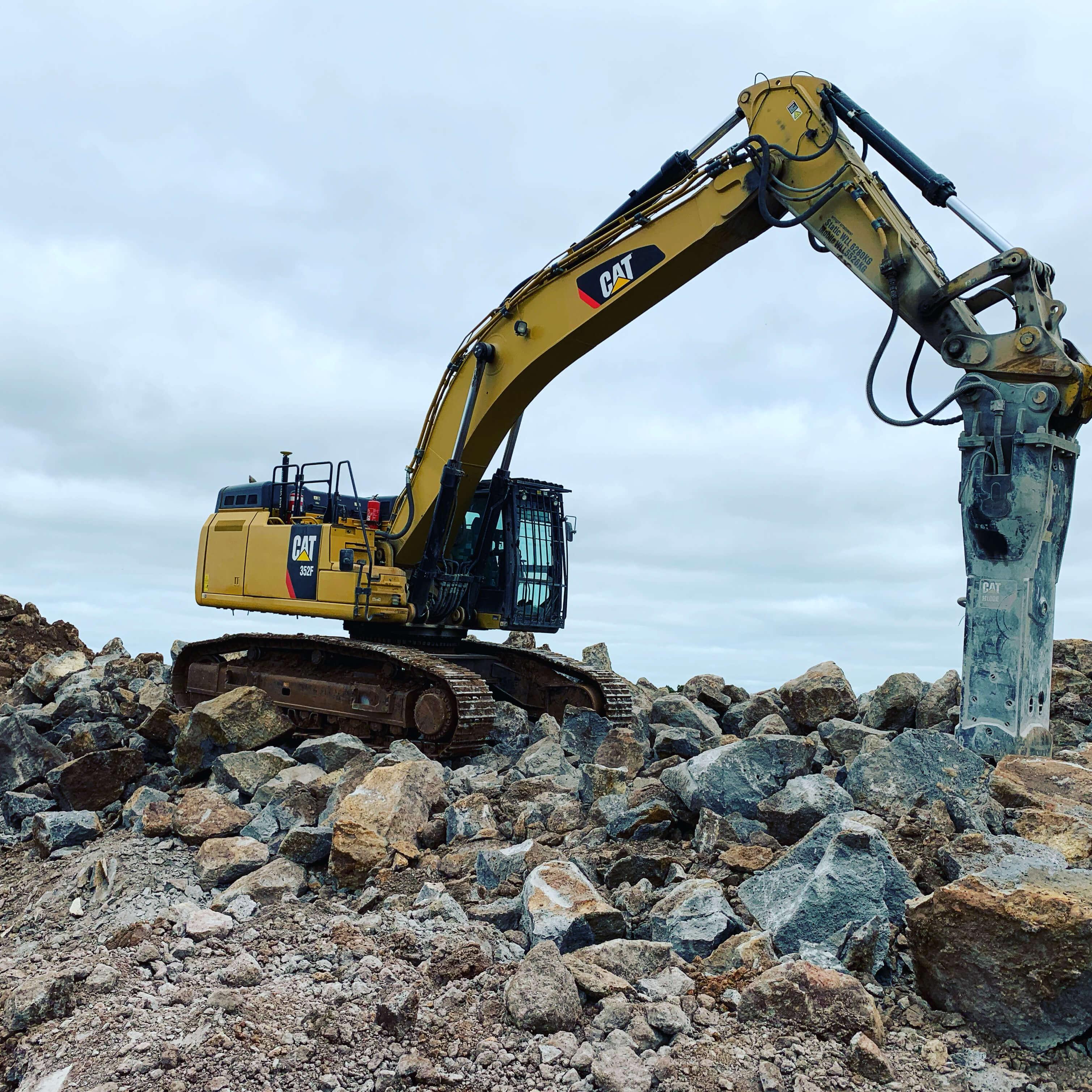 Fletcher-Bros-Solutions-onsite-excavator-quarry-contracting-melbourne