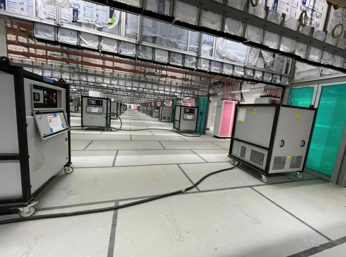 Honcho Chief Boards protecting Epoxy on a Data Centre