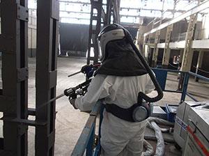 Abrasive-blasting-operator