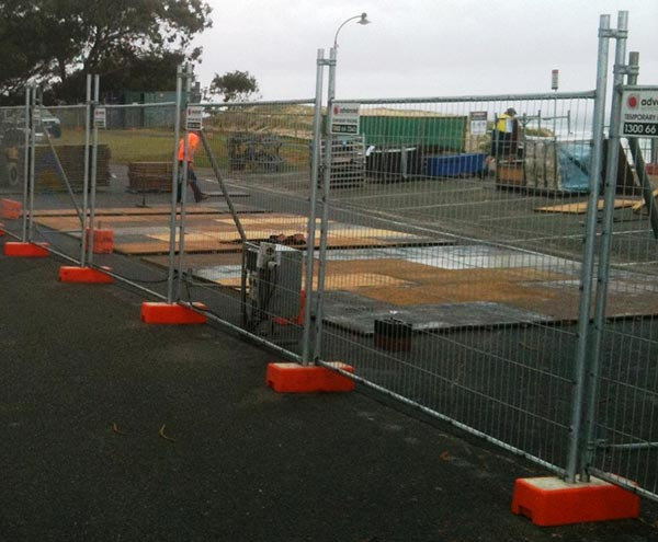 Advanced-Group-Temporary-Fencing-Site-Fencing-Building-site-security-temporary-fencing-2