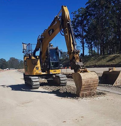 Advanced-Plant-Hire-CAT-Excavator-with-interchangable-bucket-attachments-for-hire-kempsey