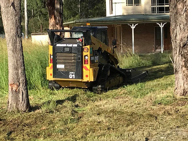 Advanced-Plant-Hire-Skidsteer-Mowing-services-kempsey