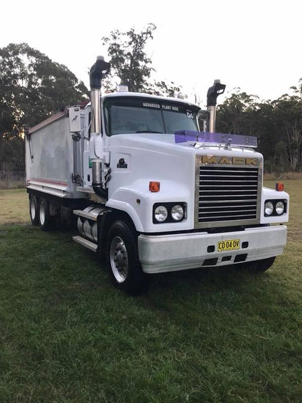 Advanced-Plant-Hire-Tipper-Truck-Mack-bulk-haulage-kempsey