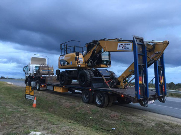 Australian-Civil-Solutions-excavator-hire-on-site-(2)