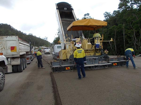 Base-Pave-NQ-Road-Base-Paving-Cold-Recycling-fleet-job