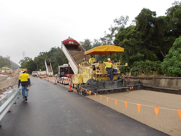 Base-Pave-NQ-Road-Base-Paving-Cold-Recycling-operators-road-works