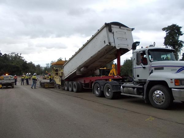 Base-Pave-NQ-Road-Base-Paving-Cold-Recycling-tipper-truck