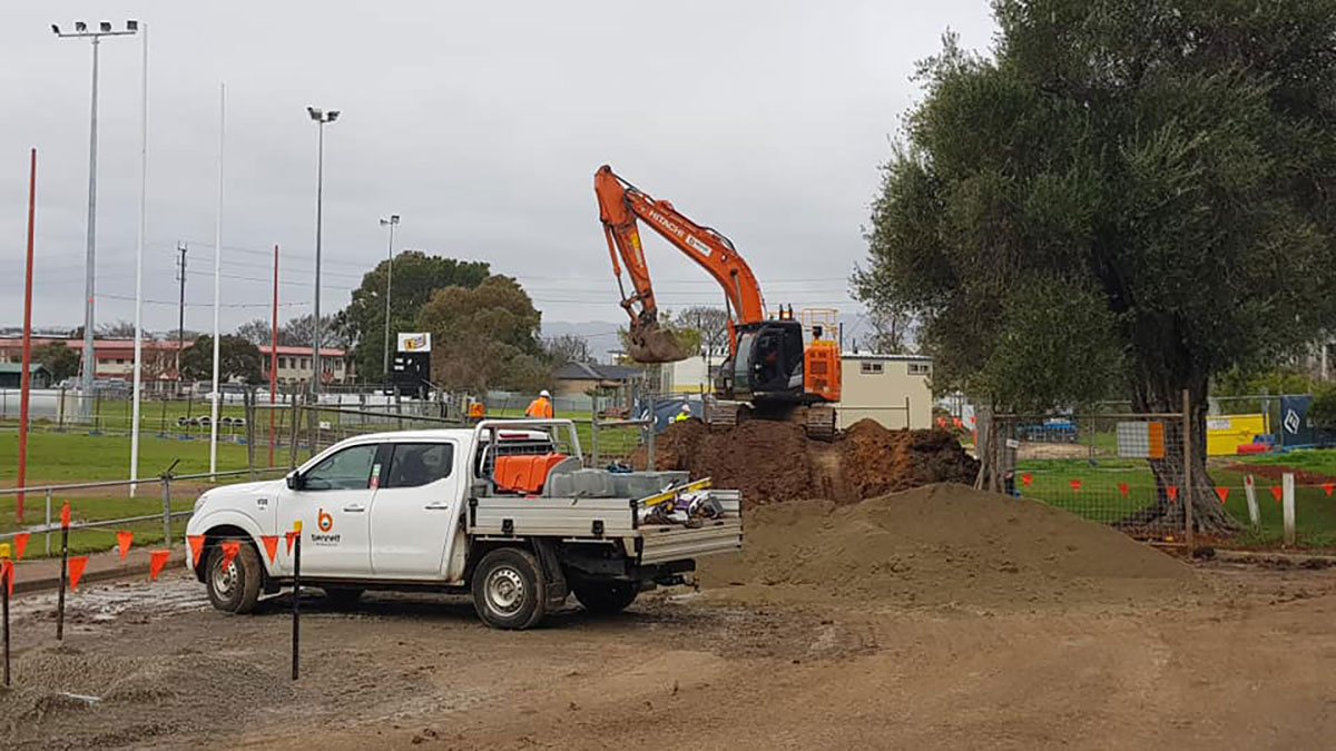Bennett Plumbing and Civil excavator and ute