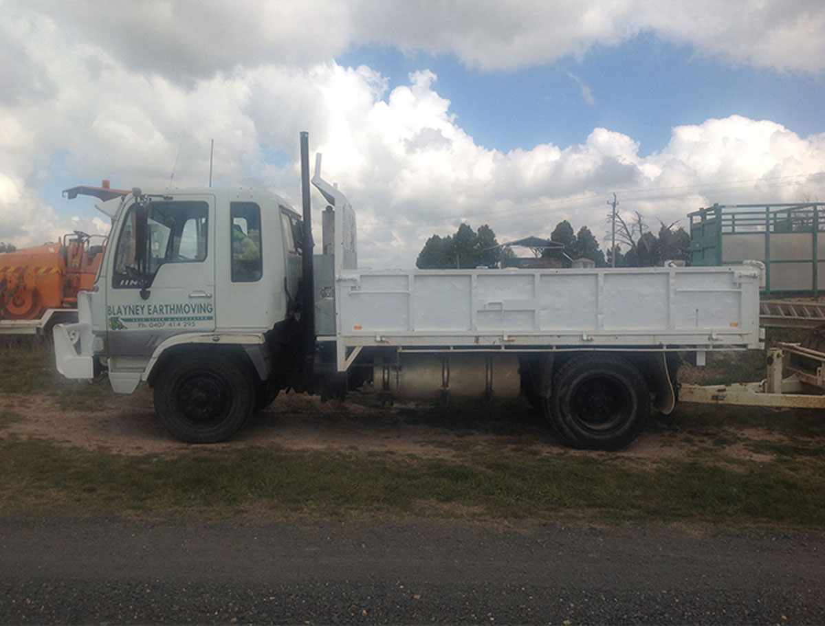 Blayney Earthmoving truck hire Bathurst