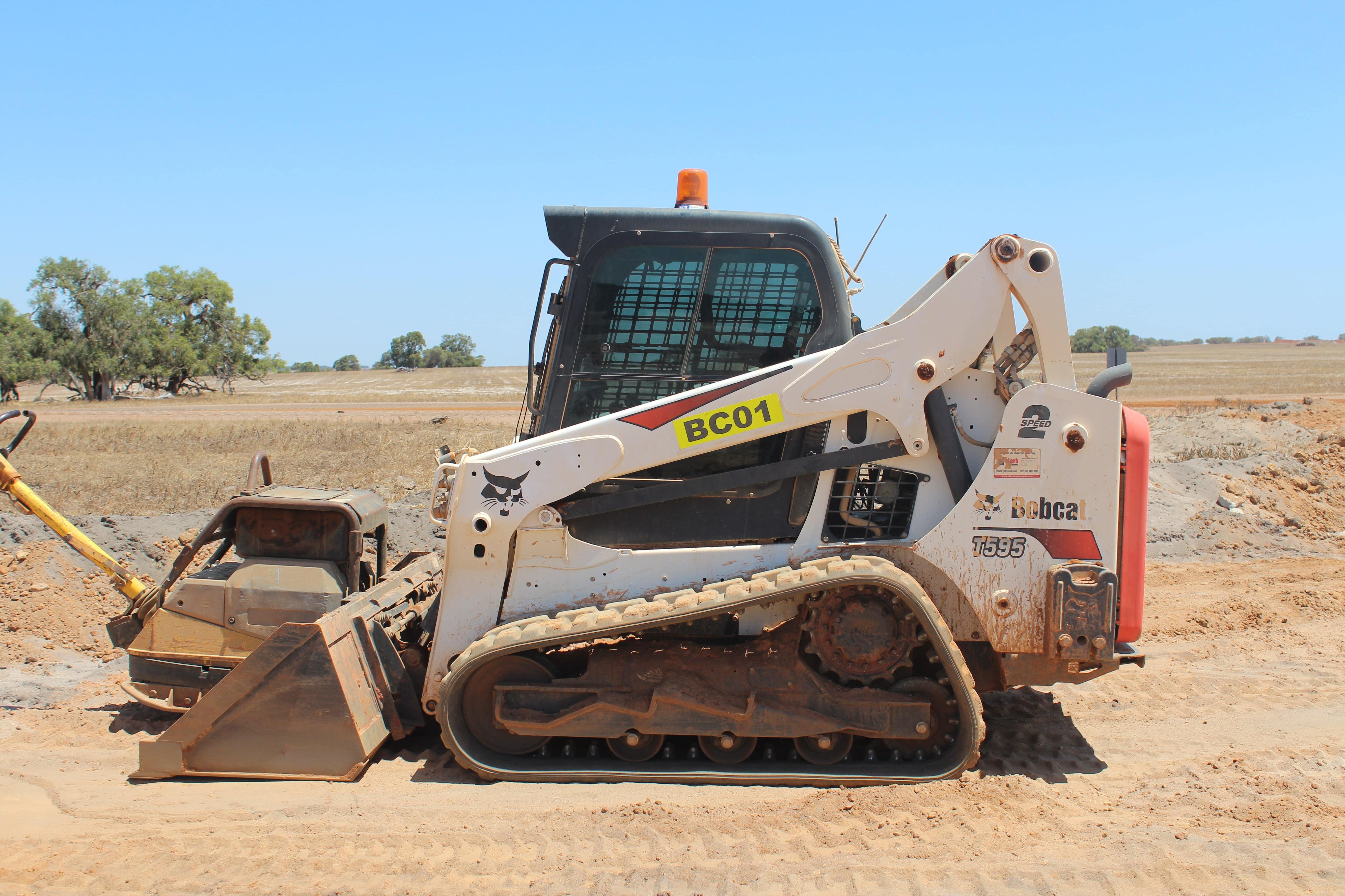 2.5t loader hire vernice western australia