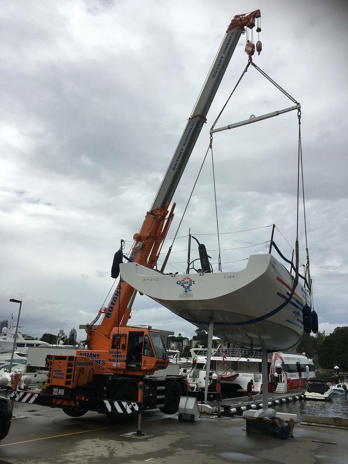 Botany Cranes 20 tonne crane boat lift