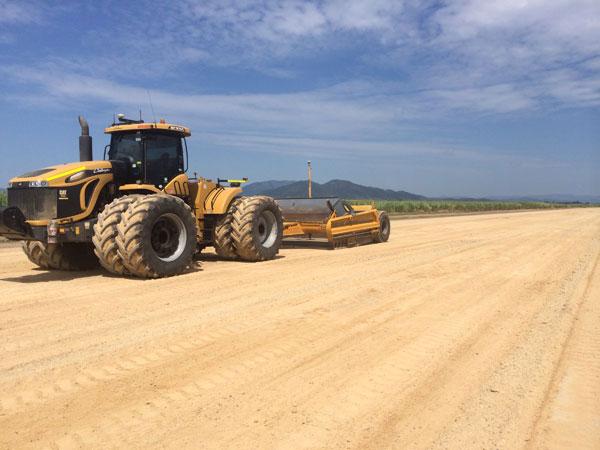 Bowmans Earthmoving scraper agricultural bulk earthworks