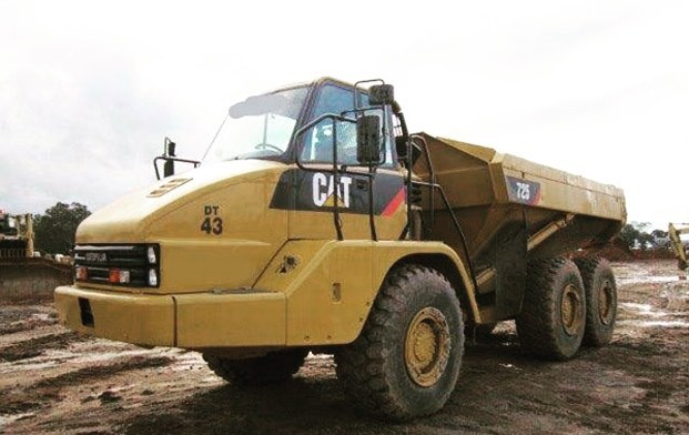 Burns Equipment Group CAT 725 Tipper