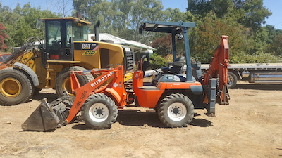 CID Services Backhoe Wagga Wagga plant hire Hay