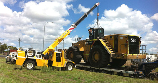 CQ-Crane-Hire-front-loader-transport-float