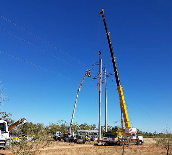 CQ-Crane-Hire-repair-powerline-crane-hire