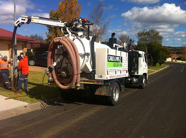Cable-and-Pipe-Locations-vacuum-excavations-onsite