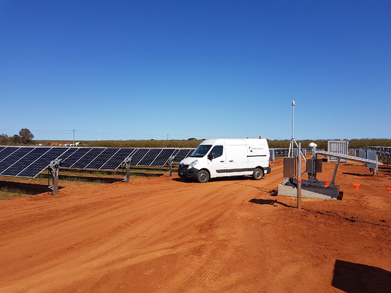 Cablenet-Industries-solar-farm-pile-driving