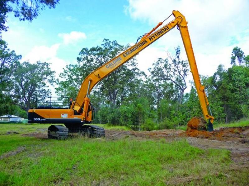 Caldme Excavations long reach excavator onsite