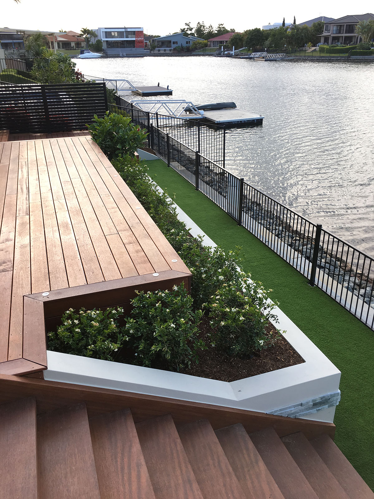 Concrete retaining wall contractor Gold Coast