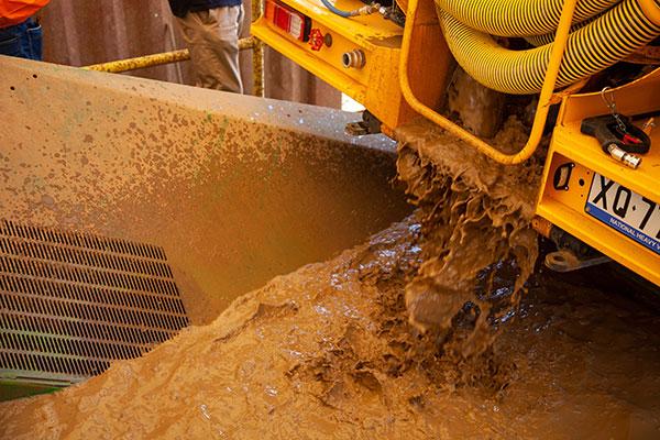 Soil transfer unit system hire Ormeau VAC Group
