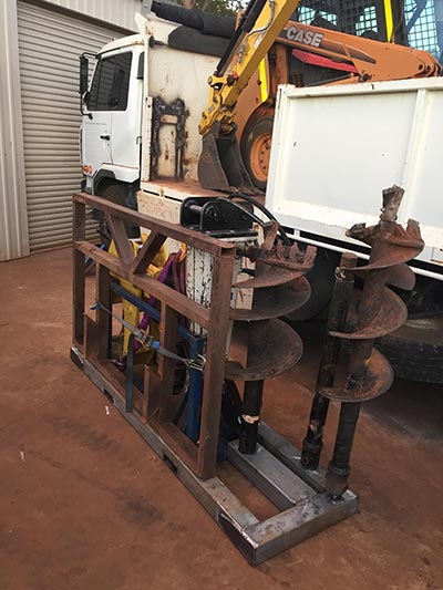 Darling-Downs-Bobcat-and-Tipper-Hire-Attachment-Cage-2-Queensland
