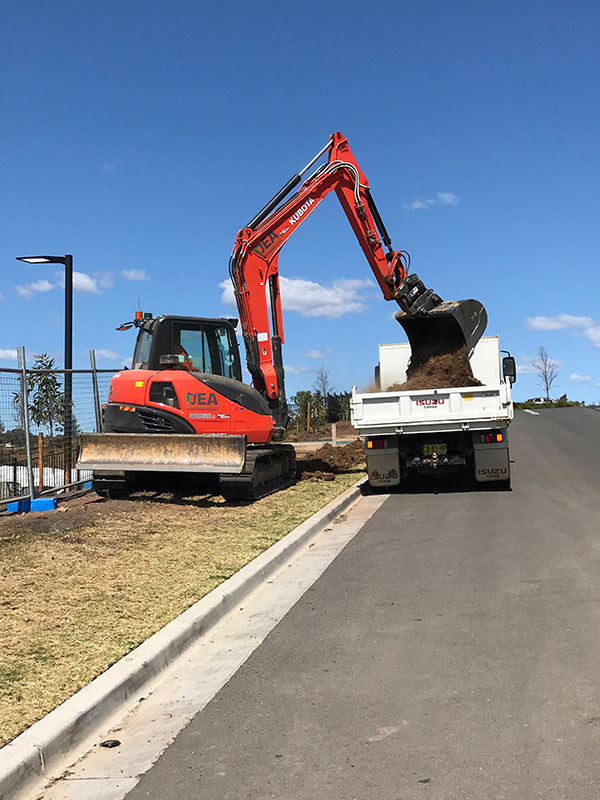 Detailed-Excavations-Australia-Tipper-Truck-and-Mini-Excavator-Sydney