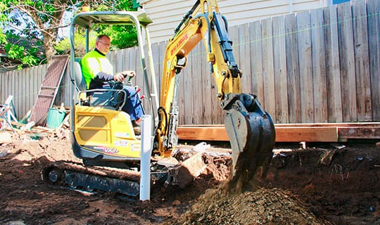 Trained Operator Using Excavator Machinery For Hire