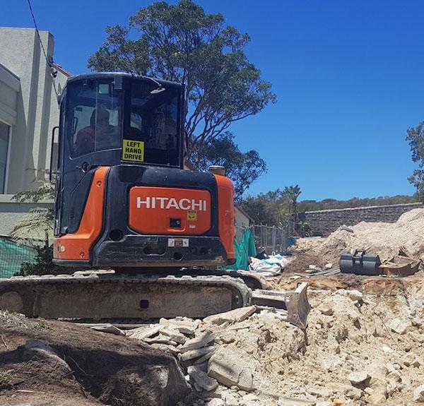 Dicks-Diggers-5t-Excavator-ZX55U-Hitachi-excavation-Campbelltown