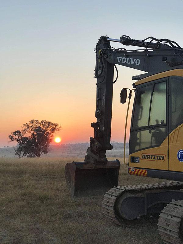 Dirtcon-Civil-Hire-tracked-excavator-hire-Briadwood