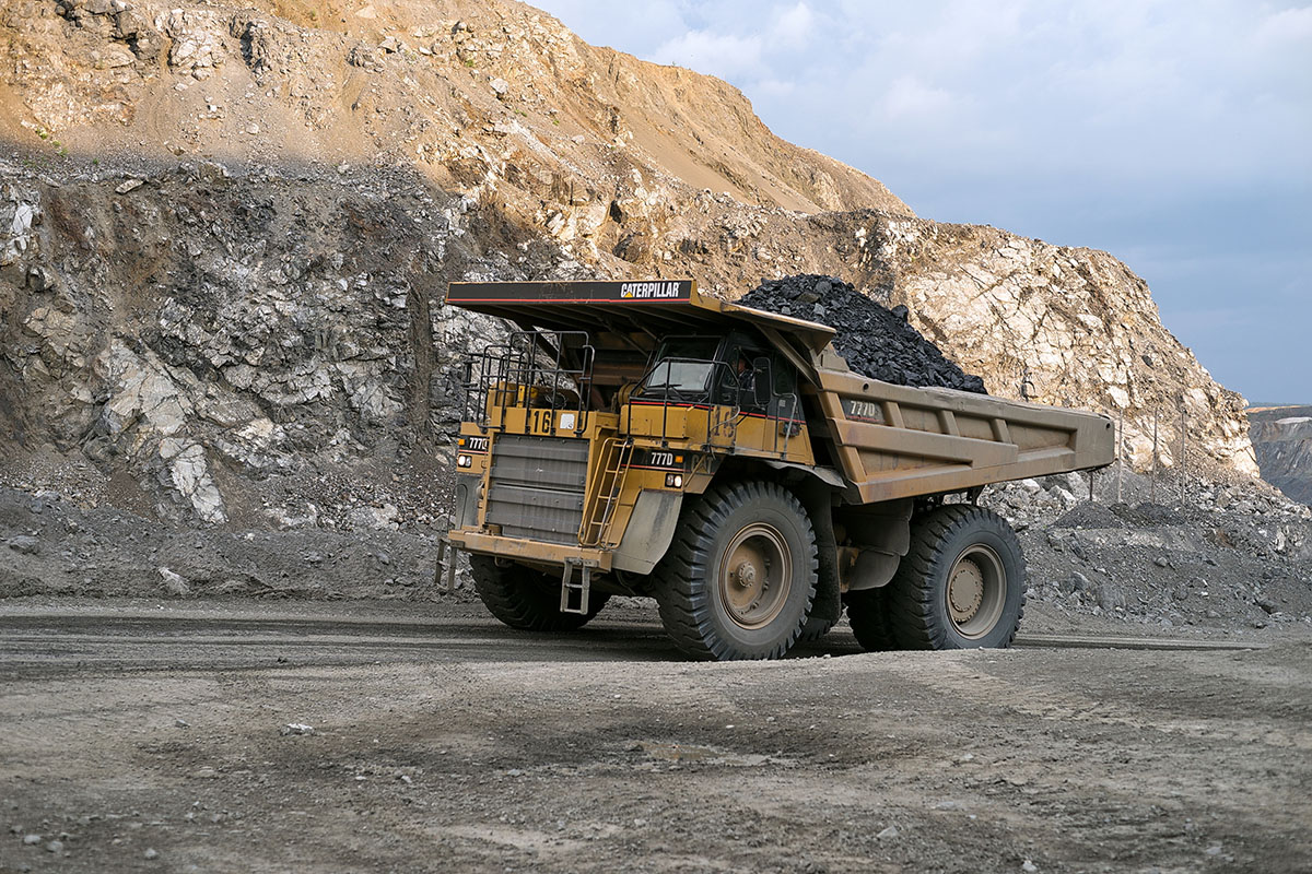 Peters Earthmoving dump truck 2