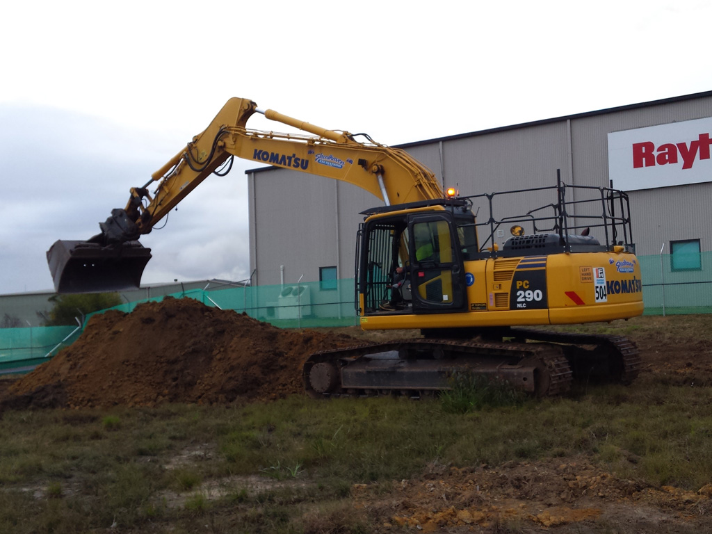 Earthworks excavator