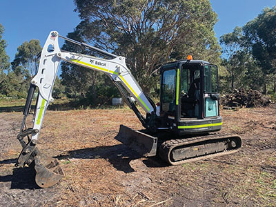 Eco-Land-Clearing-Excavator-on-site-Margaret-River