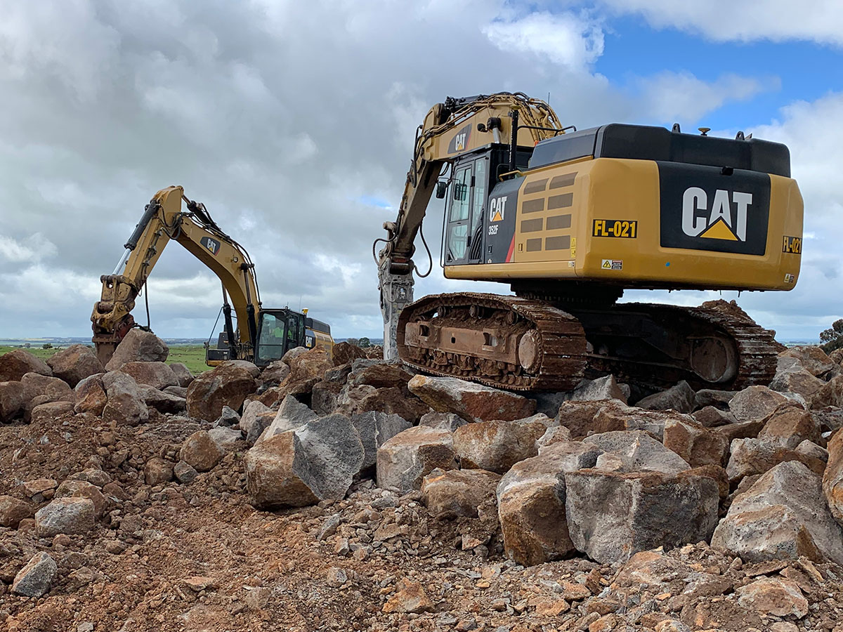 Fletcher-Bros-Solutions-onsite-rocking-breaker-excavator-Quarry-Contracting-Melbourne