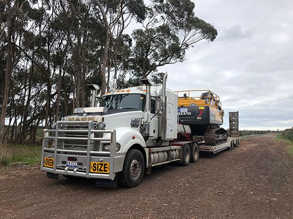Fletcher-Bros-Solutions-road-truck-transport-float-excavator-Heavy-Haulage-Melbourne