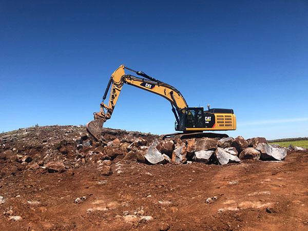 Fletcher-Bros-Solutions-rock-onsite-excavator-quarry-contracting-melbourne