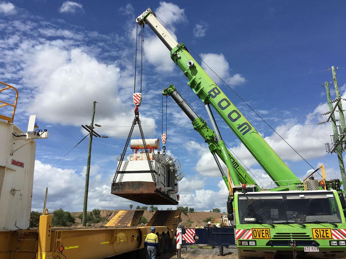 Franna crane lifting