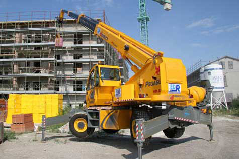 Hi-Range-Crane-Hire-Dieci-Pegasus-3016-equipment-hire-campbelltown