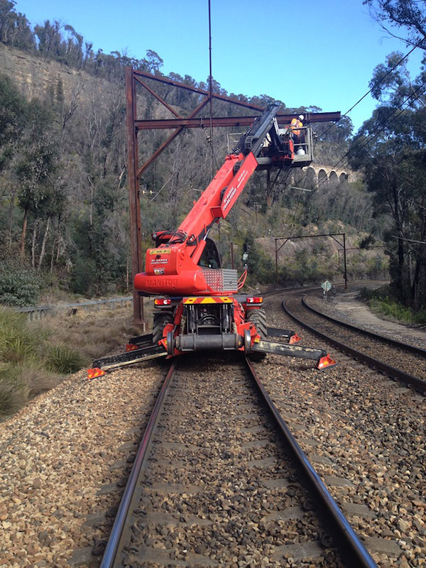 Hi-Range-Crane-Hire-Hi-Rail-Crane-telehandler-ewp-3-rail-services-campbelltown
