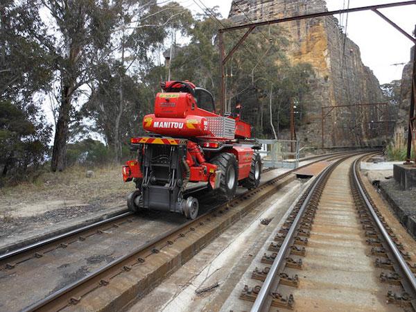 Hi-Range-Crane-Hire-Hi-Rail-EWP-hi-rail-travel-hire-Campbelltown